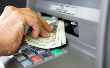 Mudah, Ini 4 Cara Mengambil Uang Di ATM